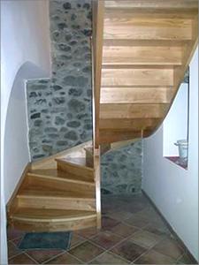 Escalier demi tournant.